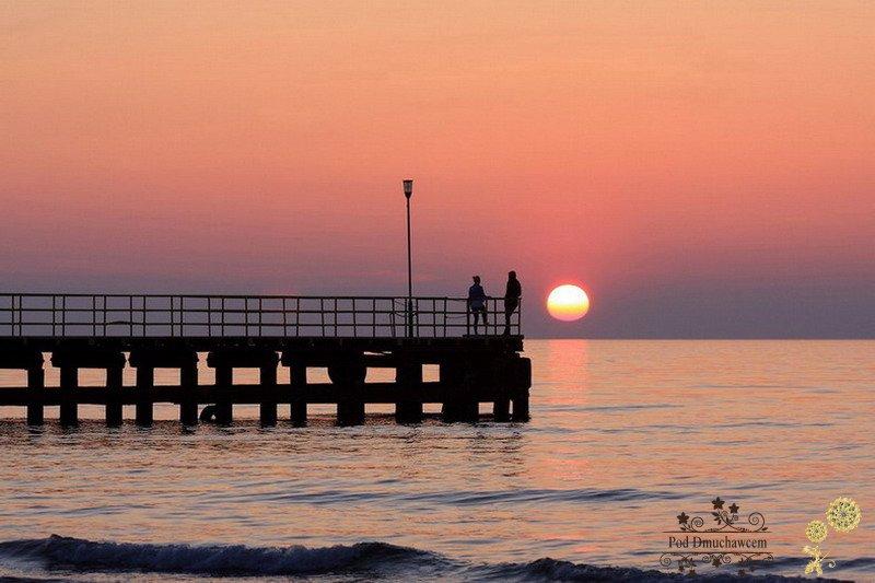 Ustronie Morskie Noclegi blisko Plaży | Widok molo