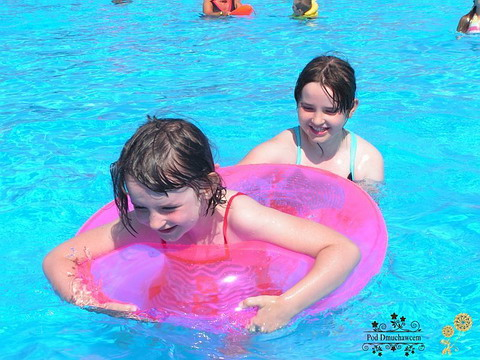 Ustronie Morskie Noclegi | Pensjonat Pod Dmuchawcem - Zabawa na basenie